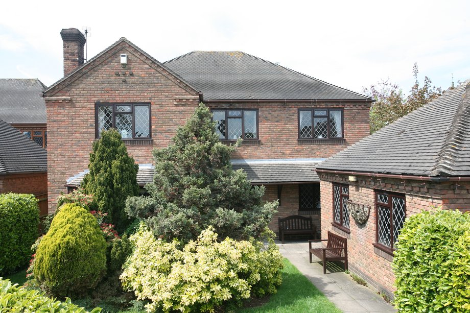 Holly Lodge, 10 Kenderdine Close, Bednall, Stafford, ST17 0YS
