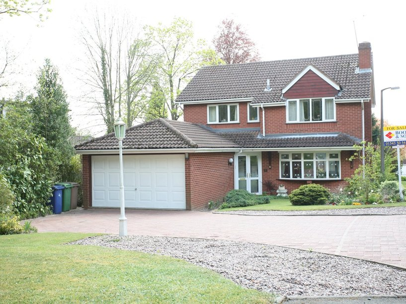 1 Shoal Hill Close, Cannock, WS11 1TW