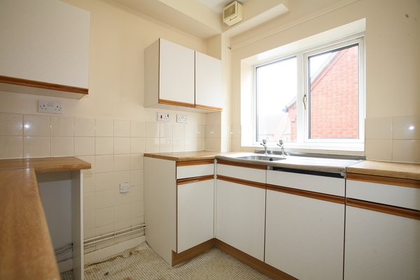 Flat 9 Rowan Croft, Price Street, Cannock, WS11 0EH - PART TILED KITCHEN