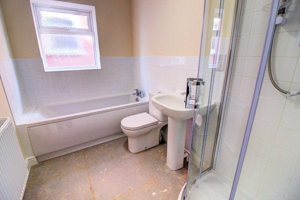Walsall Road, Norton Canes, Cannock, WS11 9QY - PART TILED BATHROOM