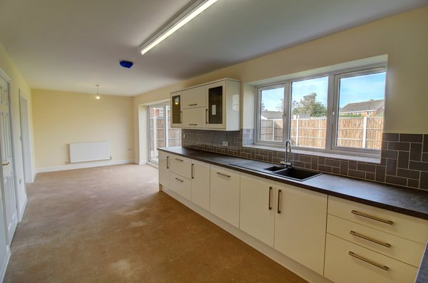 Walsall Road, Norton Canes, Cannock, WS11 9QY - DINING KITCHEN